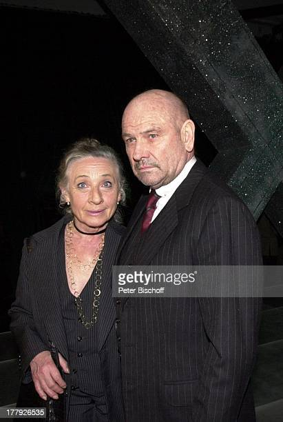Klaus Löwitsch Ehefrau Helga HeinrichJaguar X TYPE Night MünchenMünchener Trambahndepot Frau