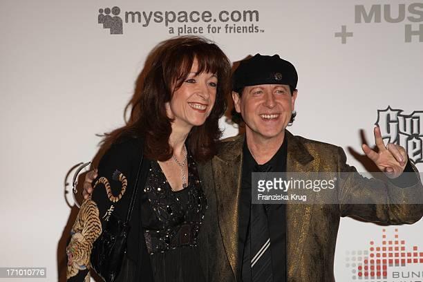 Klaus Meine Von Den Scorpions Und Ehefrau Gabi Beim Charity Dinner Der Stiftung Musik Hilft Im Humboldt Umspannwerk In Berlin