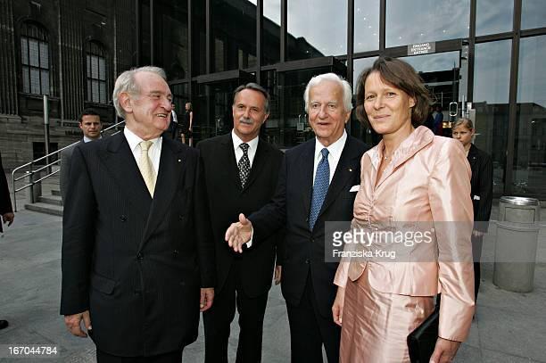 (Klaus Peter Lehmann , Bundespräsident Johannes Rau Und Ehefrau Christina Und Richard Von Weizsäcker Beim Empfang Zur Verleihung Des Kunst- Und...