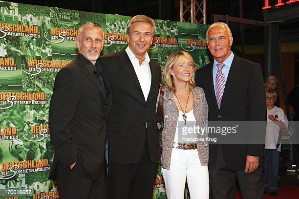 Klaus Wowereit And His friend Jörn Kubicki With Franz Beckenbauer and his wife Heidrun In The Cinema Premiere Of Films From S Wortmann Germany A...