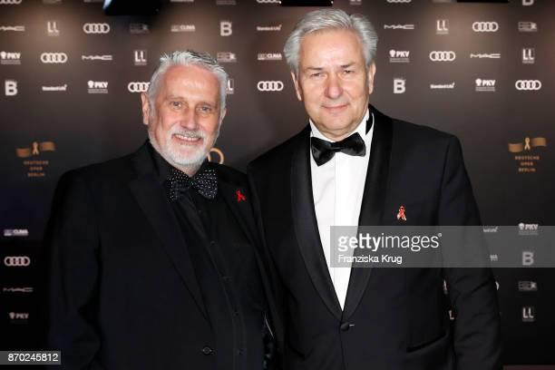 Klaus Wowereit and Joern Kubicki attend the 24th Opera Gala at Deutsche Oper Berlin on November 4, 2017 in Berlin, Germany.