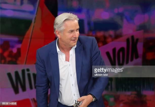 Klaus Wowereit in der ZDFTalkshow maybrit illner am in Berlin Große Koalition immer kleiner Stunde der Populisten