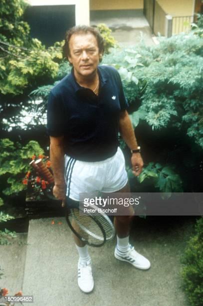 Klausjürgen Wussow Schauspieler Sportler Tennisspieler Sportkleidung kurze Hose Prominenter dah