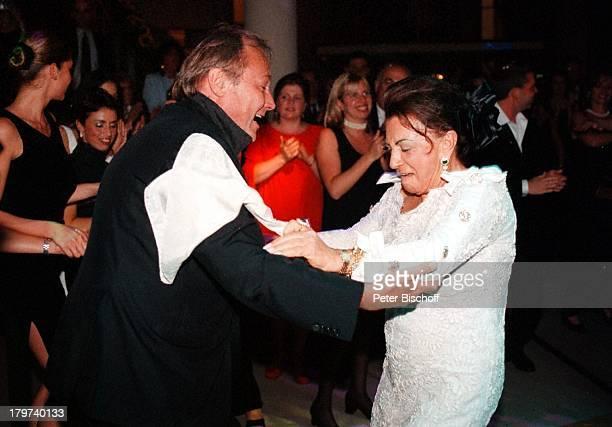 KlausMaria Brandauer mit Maria BraunerGeburtstagsfeier zum 80 Geburtstag vonA r t u r B r a u n e r im KinoFilmpalastColosseum Berlin Deutschland...