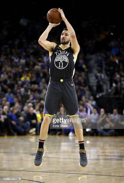 Klay Thompson of the Golden State Warriors shoots against the New Orleans Pelicans at ORACLE Arena on January 16 2019 in Oakland California NOTE TO...