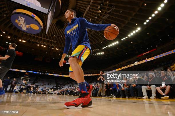 Klay Thompson of the Golden State Warriors warms up before the game against the Minnesota Timberwolves on January 25 2018 at ORACLE Arena in Oakland...