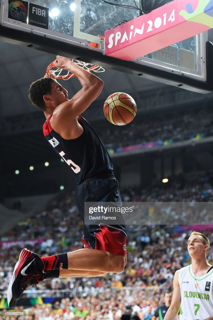 Klay Thompson #5 of the USA Basketball Men's National Team dunks the ball against Slovenia Basketball Men's National Team during 2014 FIBA Basketball World Cup quarter-final match between Slovenia and USA at Palau Sant Jordi on September 9, 2014 in Barcelona, Spain.