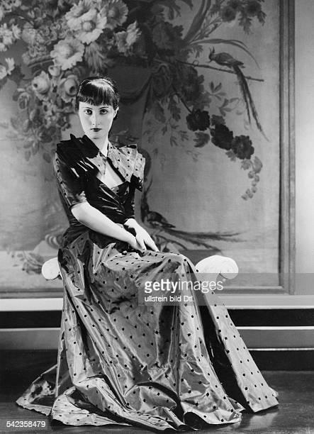Kleid aus Taft von Maggy Rouffveröffentlicht Dame 20/ 1934