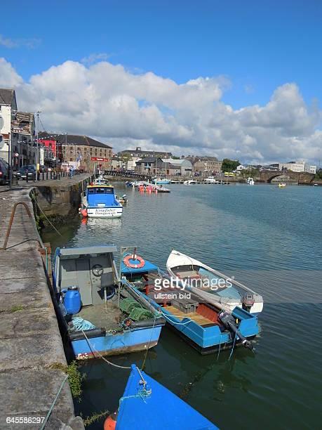 Kleine Booet liegen im Hafen am 25 Juli 2015 aufgenommen in der Kleinstadt Dungarvan an der Südküste
