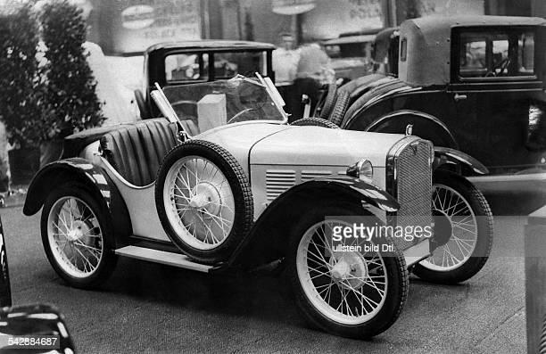 Kleinwagen auf der Autoausstellung in Berlinveröffentlicht Tempo 1921931
