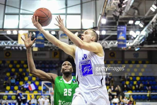 Klemen Prepelic of Levallois and JaJuan Johnson of Darussafaka Dogus Istabul during the EuropCup match between Levallois Metropolitans and...