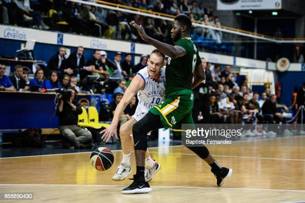 Klemen Prepelic of Levallois and Mouhammadou of Limoges during the Pro A match between Levallois and Limoges on October 7 2017 in LevalloisPerret...