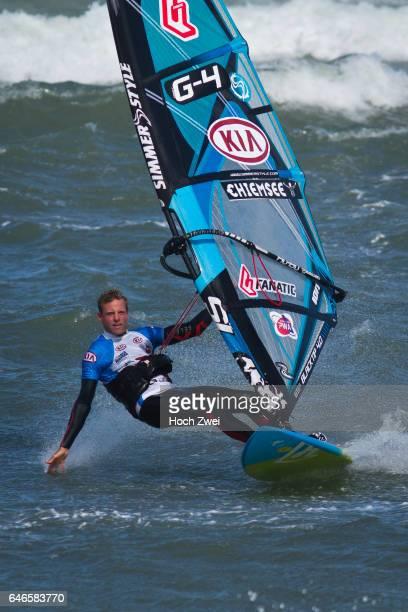 Klitmöller is callling So lautet ab 15 September das Motto für die besten Windsurfer der Welt wenn sie in dem kleinen dänischen Fischerdorf an der...