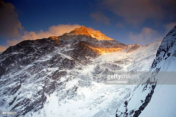 knah tengri peak (7010m), northern wall - tien shan mountains stock pictures, royalty-free photos & images