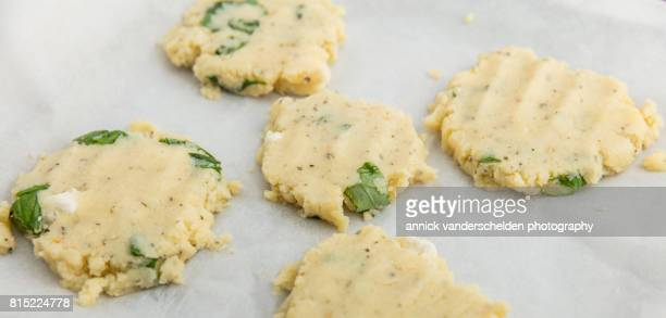 Kneaded cauliflower mixtures. Toast preparation step.