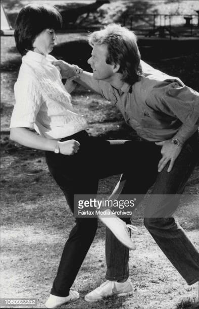 Knee To Groin Linda Kelly amp Toa De Haas September 11 1986