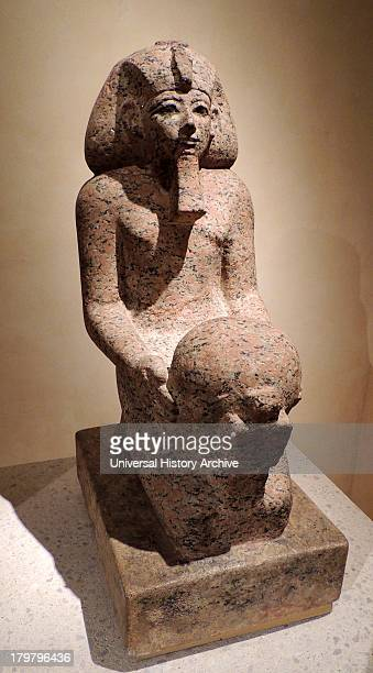 Kneeling figure of queen Hatshepsut