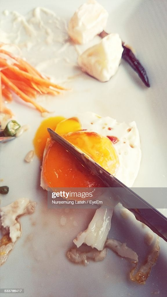 Knife Slicing Egg : Foto stock