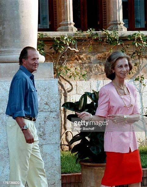 König Juan Carlos von Spanien mit Königin SofiaResidenz in Portopi auf Mallorca/SpanienMariventPalast Urlaub Monarch Königin König Promis Prominenter...