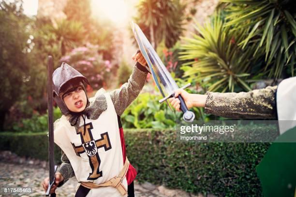 Pratiquant dans les jardins du château de chevalier