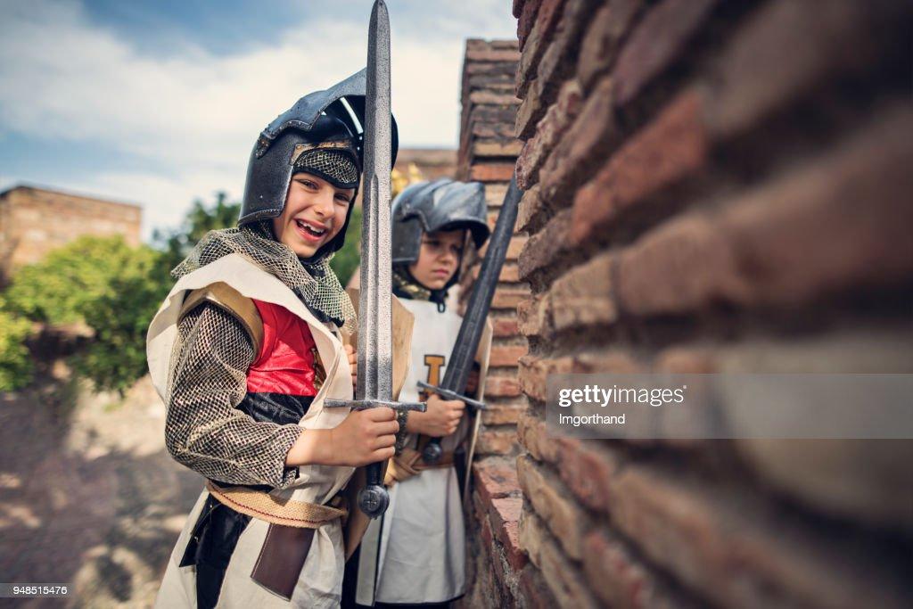 Ridders verdediging van het kasteel : Stockfoto