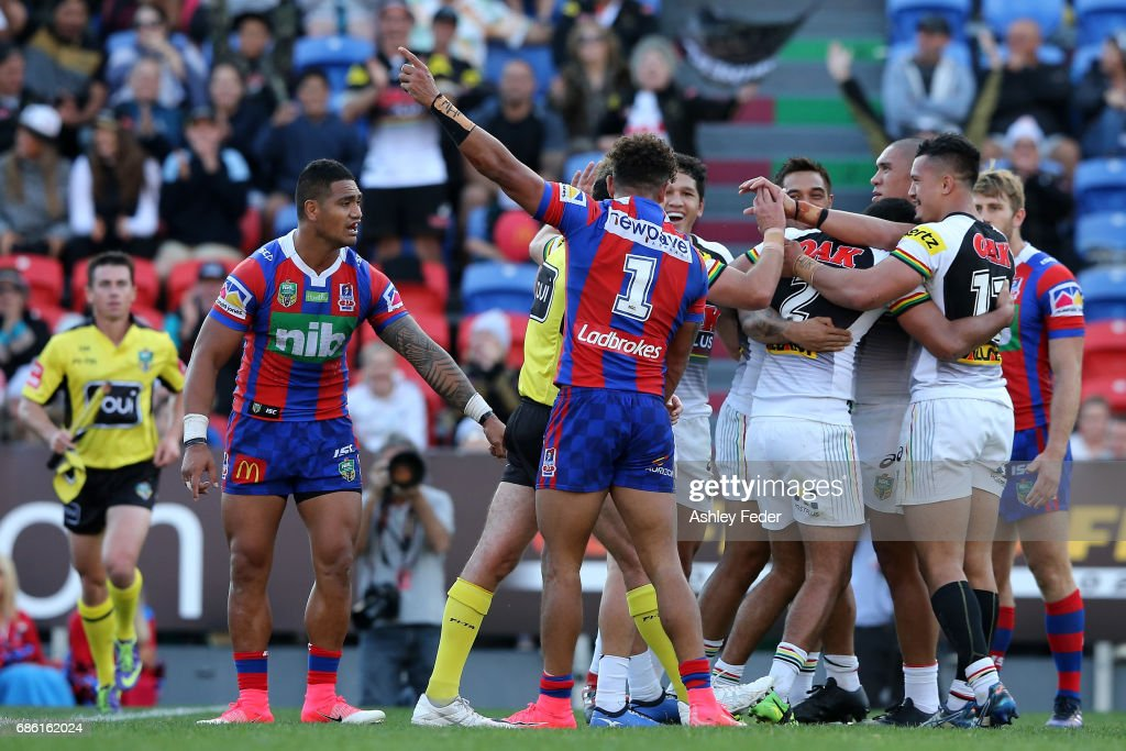 NRL Rd 11 - Knights v Panthers : News Photo