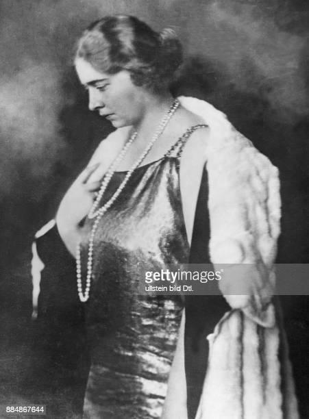 Königin des Königreichs Jugoslawien Gattin von Alexander I Robert Sennecke Originalaufnahme im Archiv von ullstein bild