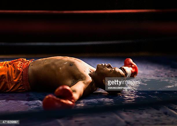 knockout - unconscious stock pictures, royalty-free photos & images