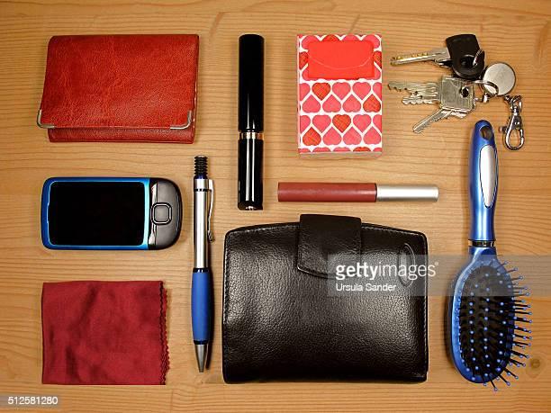 Knolling - Content of woman's handbag