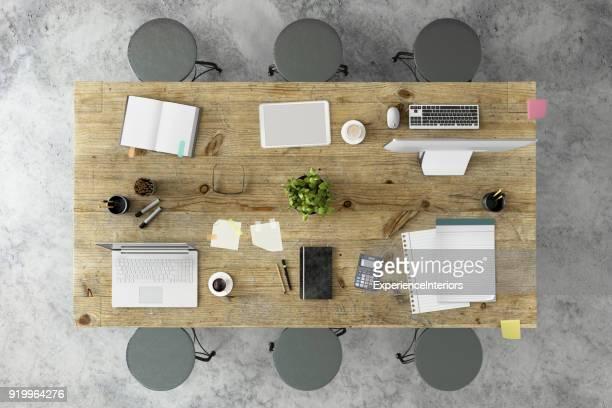 Vista superior de la Knolling de una tabla de la oficina de equipo