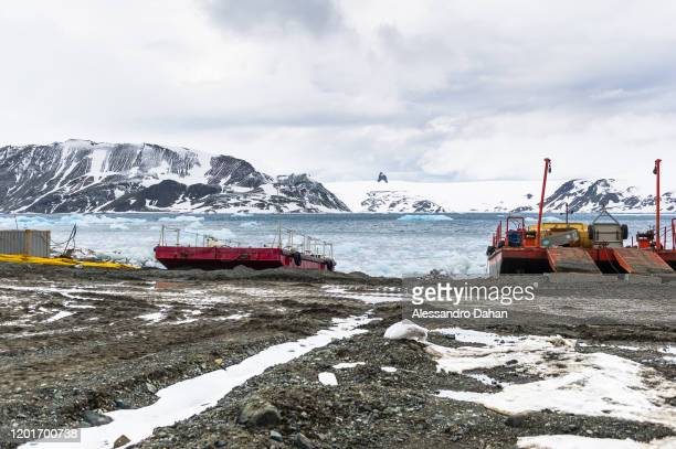 Knowing the terrain to be worked on and the container transport system In the background the Nunatak Needle known as Teta da Nega on November 05 2019...