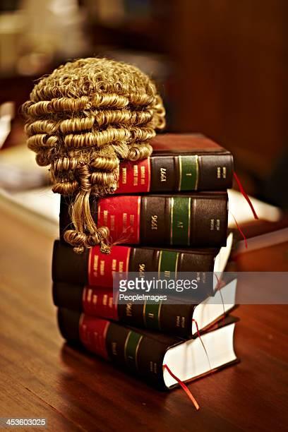知識は、的確な法律は、フェア試験 - crime or recreational drug or prison or legal trial ストックフォトと画像