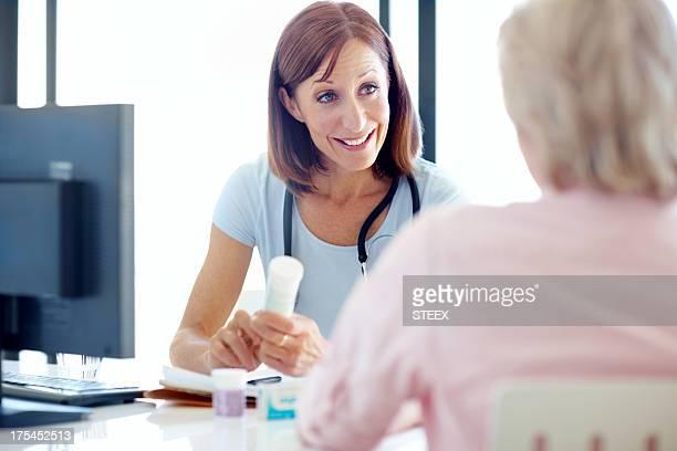 Kompetente und hilfsbereite Arzt-Rezepten