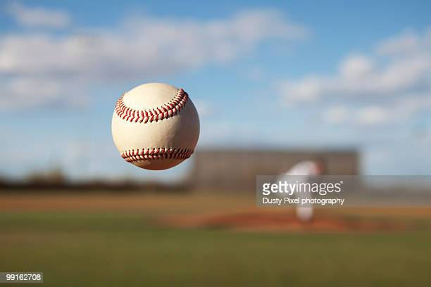 knuckleball pitch - baseball photos et images de collection