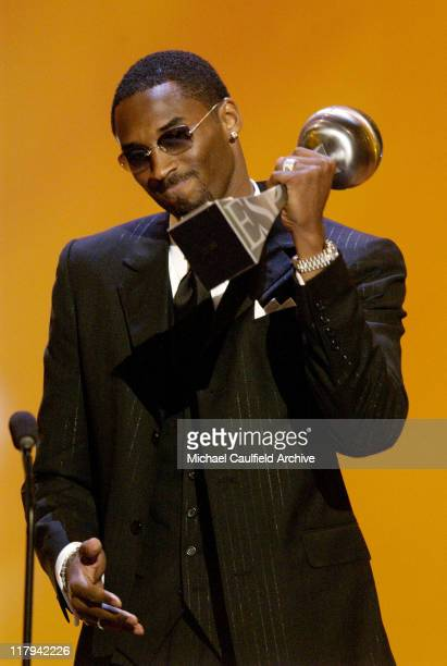 Kobe Bryant accepts the 2002 ESPY Award for the Los Angeles Lakers