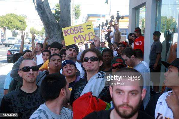 eabcb3321aa5 Kobe Bryant fans wait in line at the launch of the new Nike Hyperdunk...  News Photo