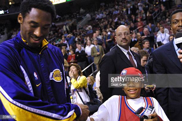 Kobe Bryant of the LA Lakers with Lil' Bow Wow at the NBA AllStar Game at the First Union Center in Philadelphia Pa 2/10/02 Photo by Scott...