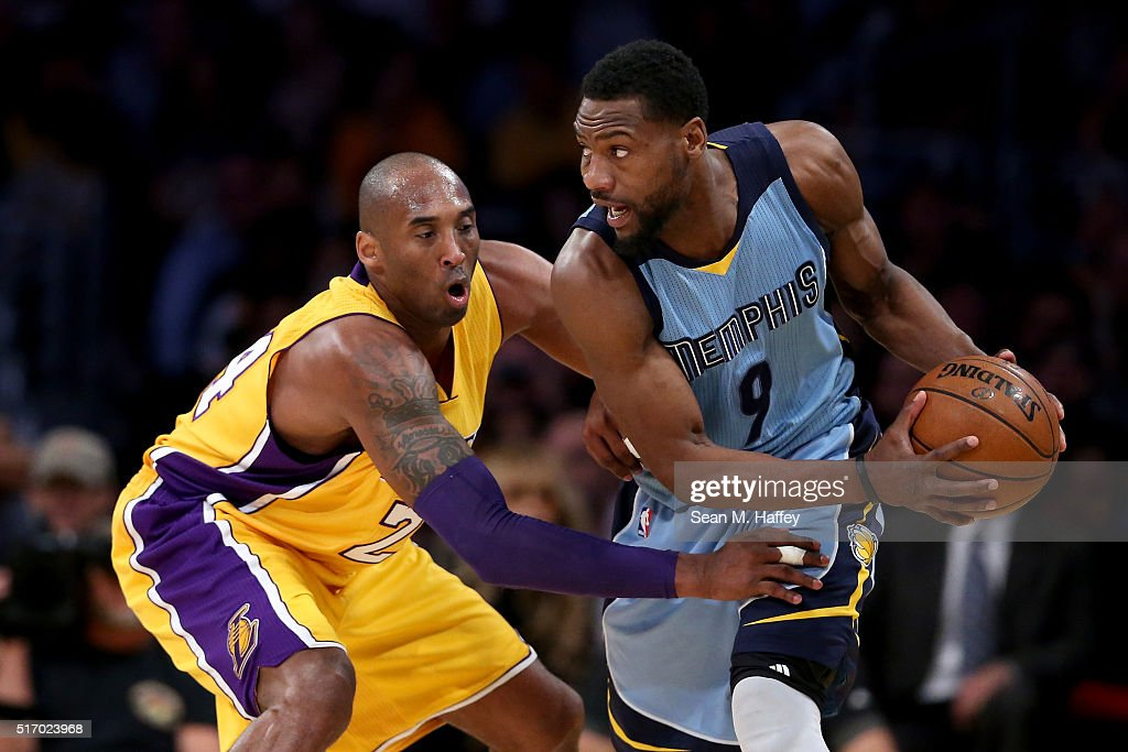 Kobe Bryant #24 of the Los Angeles Lakers defends against Tony Allen #9 of the Memphis Grizzlies during the first half of a game at Staples Center on March 22, 2016 in Los Angeles, California.