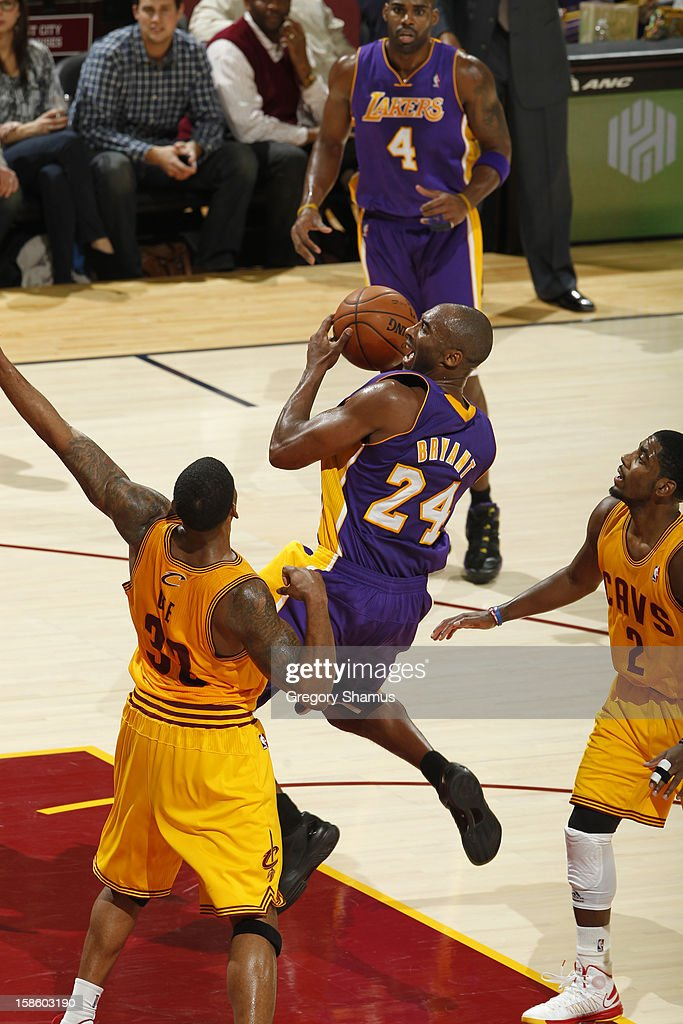 Kobe Bryant #24 of the Los Angeles Lakers drives to the basket against the Cleveland Cavaliers at The Quicken Loans Arena on December 11, 2012 in Cleveland, Ohio.