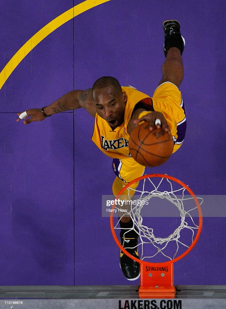 New Orleans Hornets v Los Angeles Lakers - Game Five : News Photo