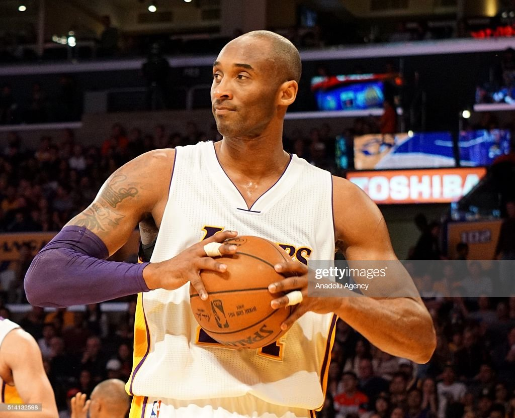 Los Angeles Lakers v Golden State Warriors : News Photo