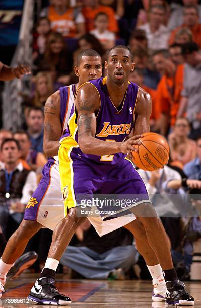 Kobe Bryant of the Los Angeles Lakers is guarded by Raja Bell of the Phoenix Suns in Game Two of the Western Conference Quarterfinals during the 2007...