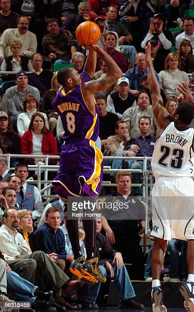 Kobe Bryant of the Los Angeles Lakers shoots a jumpshot over Devin Brown of the Utah Jazz during a game between the Los Angeles Lakers and Utah Jazz...