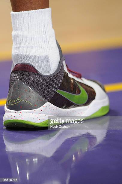 Kobe Bryant of the Los Angeles Lakers wears the Zoom Kobe V during a game against the Cleveland Cavaliers at Staples Center on December 25 2009 in...