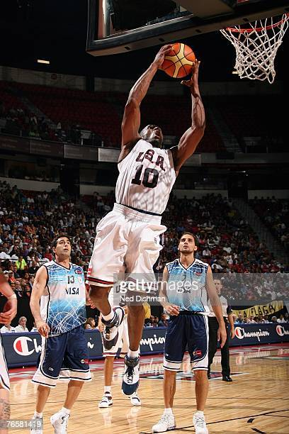 Kobe Bryant of the USA Men's Senior National Team takes the ball to the basket during the Quarter Final Round of the 2007 FIBA Americas Championship...