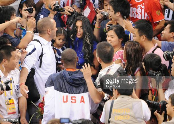26e9beeeee043 Kobe BRYANT sa femme et ses enfants - - Finale Tournoi de Basket Ball...  News Photo - Getty Images