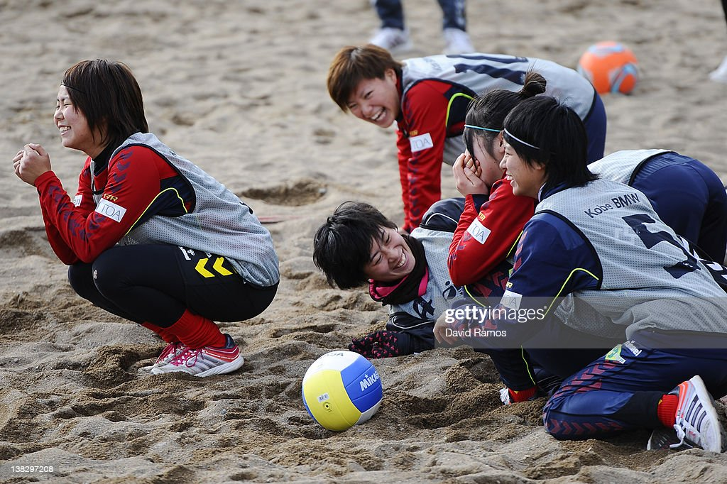 Kobe Leonessa Ladies players laugh during a training session at the Club Natacion Barcelona sport complex in La Barceloneta beach on February 5, 2012 in Barcelona, Spain.