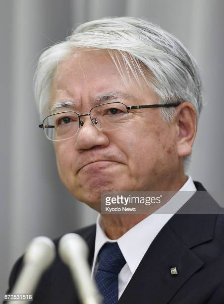Kobe Steel Ltd CEO Hiroya Kawasaki attends a press conference in Tokyo on Nov 10 2017 The steelmaker said an internal probe found its closed...