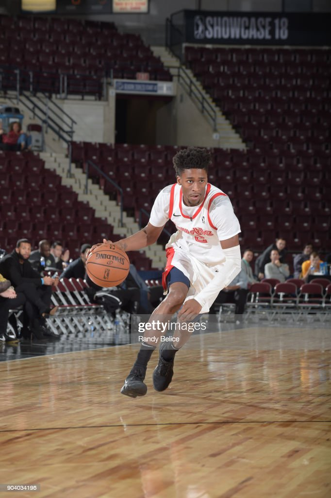 Kobi Simmons #2 of the Memphis Hustle handles the ball during the game against the Lakeland Magic NBA G League Showcase Game 14 on January 11, 2018 at the Hershey Centre in Mississauga, Ontario Canada.