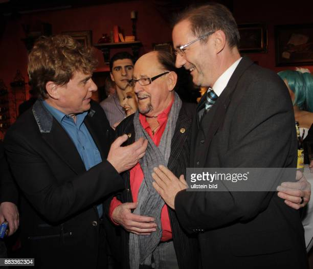 Koefer Herbert Schauspieler D mit Saenger Frank Schoebel und Politiker Matthias Platzeck zum 90 Geburtstag in der Amber Suite in Berlin